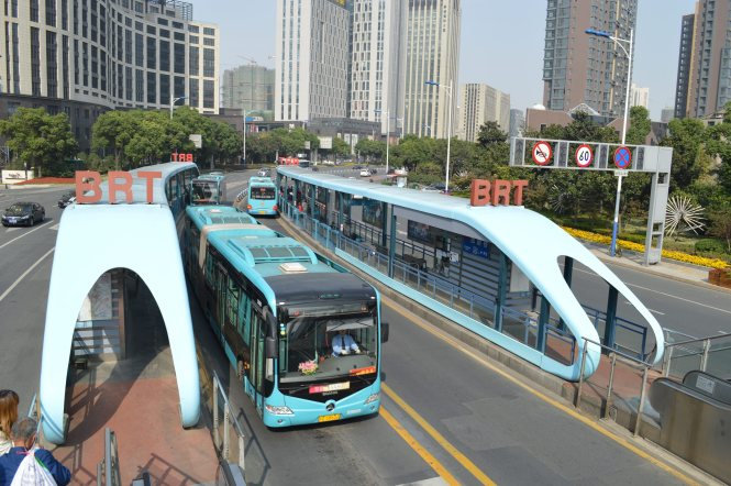 Bus Rapid Transit (BRT). Jiangsu Province, China.  Photo: Conny Hetting 2012